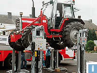 mobile column lifts for tractors