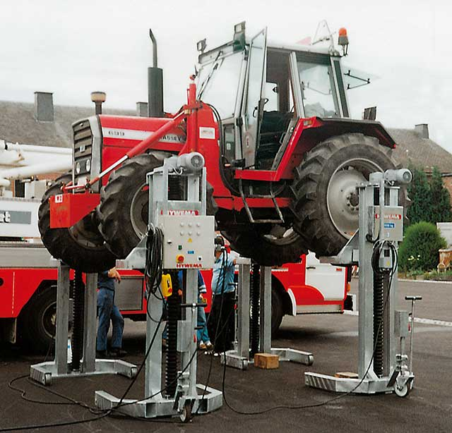 Tractor Hoist Bars : Mobile column lifts for tractors hywema commercial