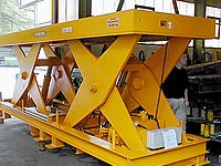 Heavy duty scissor lifts